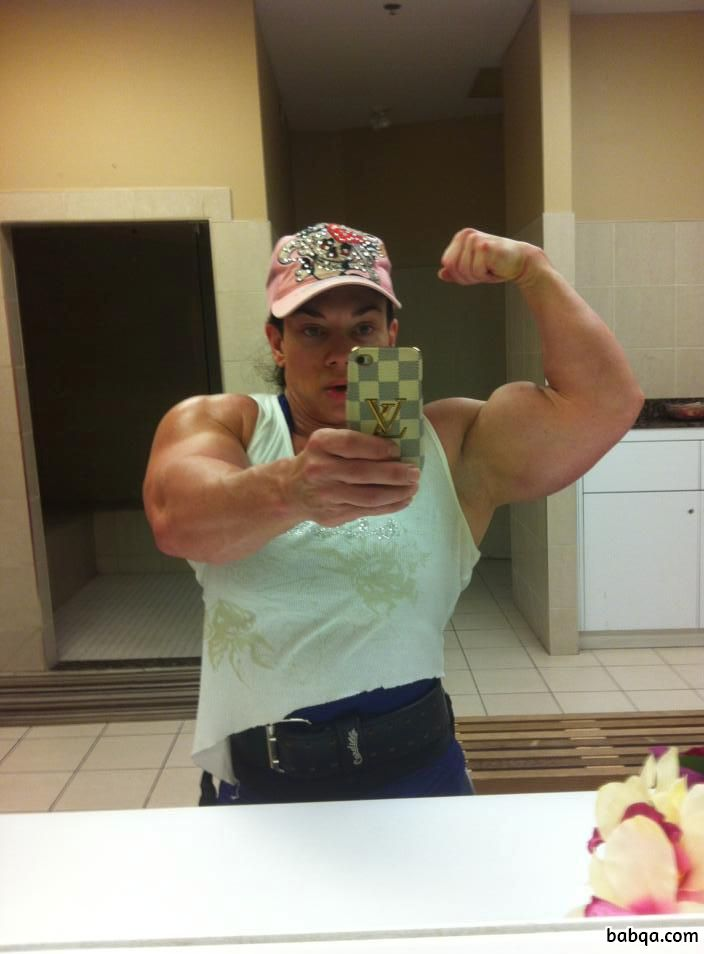 awesome female bodybuilder with muscular body and toned booty pic from tumblr
