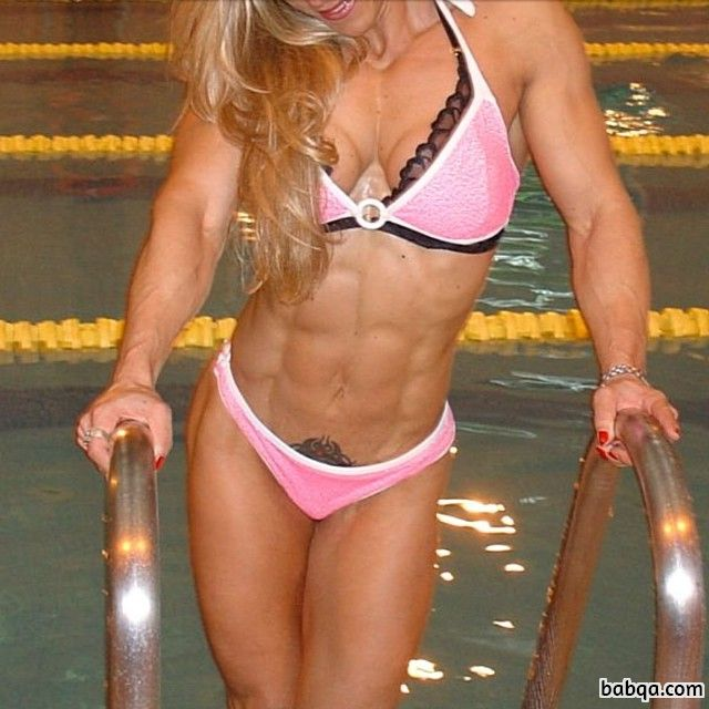 hot babe with muscle body and muscle legs post from g+