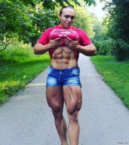 beautiful lady with strong body and muscle bottom picture from reddit