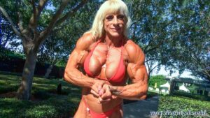 awesome lady with muscle body and toned biceps repost from facebook