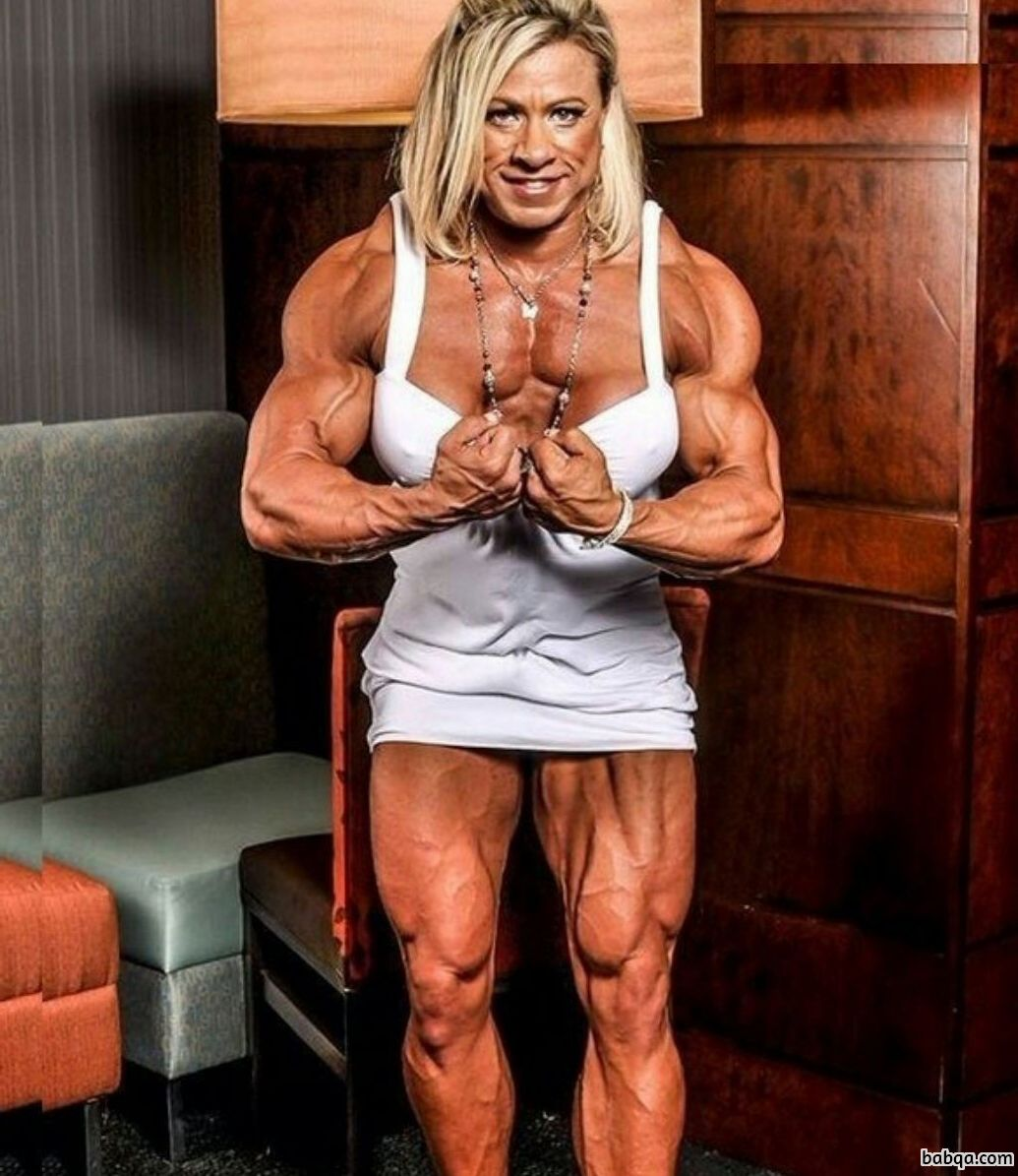 sexy female bodybuilder with strong body and muscle legs post from facebook
