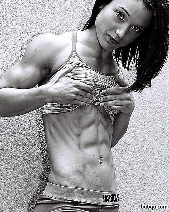sexy female bodybuilder with fitness body and toned legs image from g+