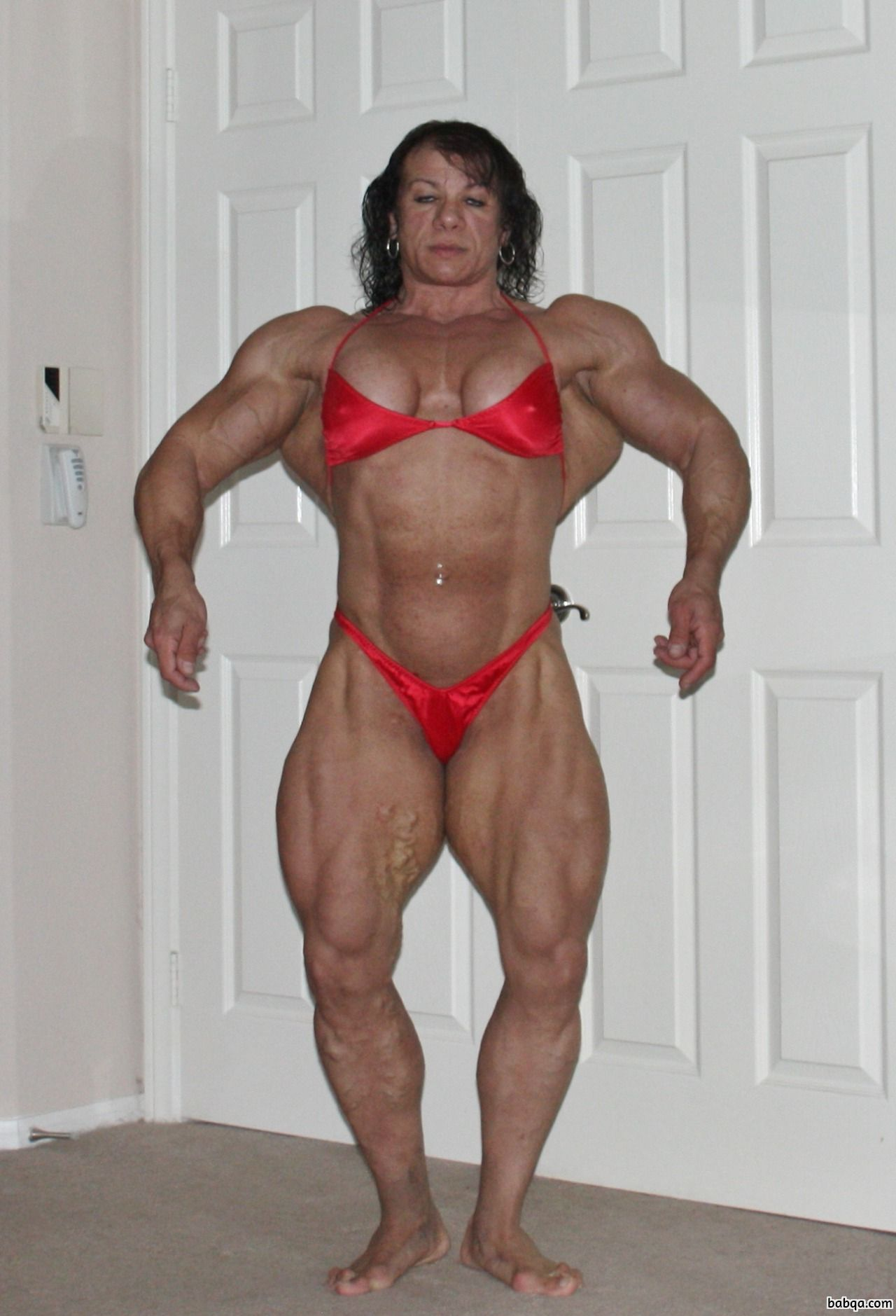 spicy lady with muscular body and muscle legs post from instagram