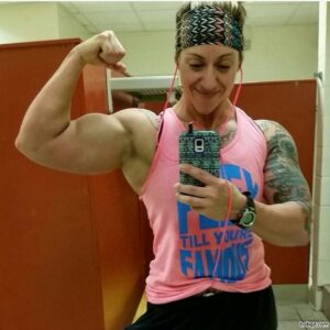 awesome lady with muscle body and muscle arms post from reddit