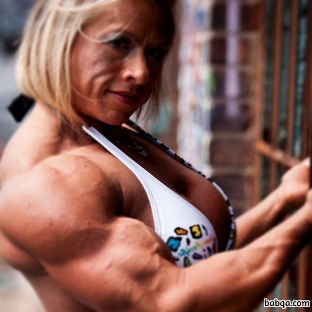 hottest woman with muscle body and muscle biceps pic from insta