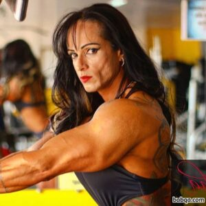 sexy female bodybuilder with fitness body and muscle bottom post from tumblr