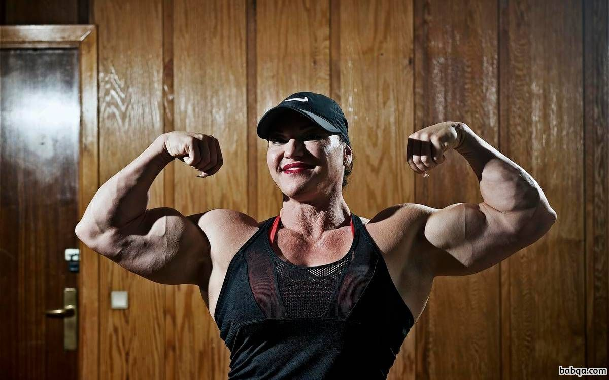 hottest chick with strong body and toned arms repost from reddit