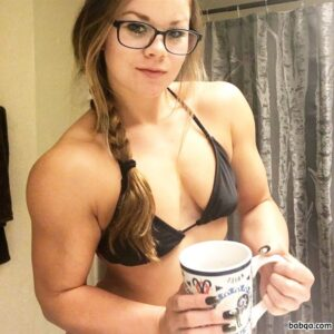 cute female bodybuilder with strong body and toned biceps picture from tumblr