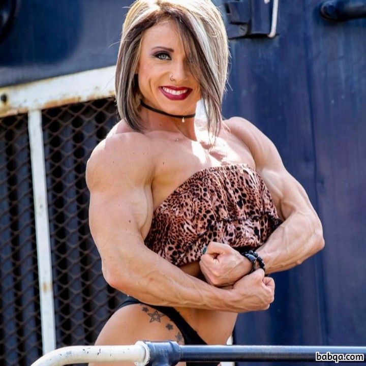 cute woman with muscle body and muscle bottom photo from linkedin