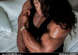 perfect female with muscle body and toned bottom picture from g+