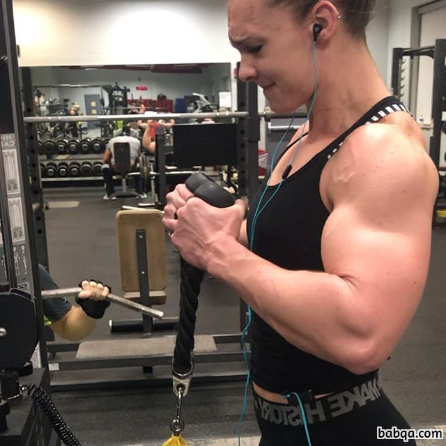 hot female with fitness body and toned biceps post from reddit
