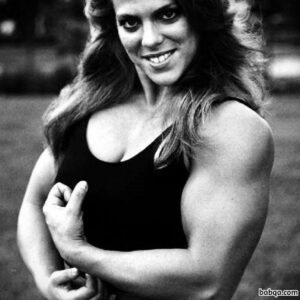 sexy female with muscular body and toned biceps pic from g+