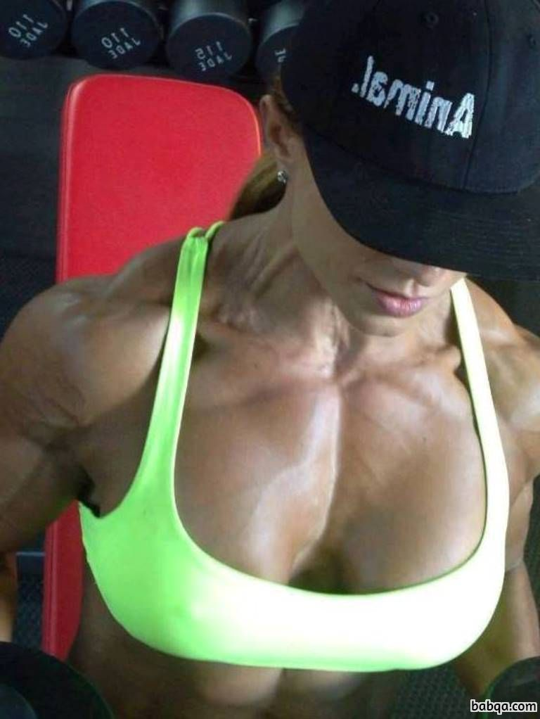 hottest chick with muscular body and toned arms picture from reddit