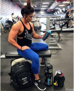 awesome lady with fitness body and muscle arms photo from g+