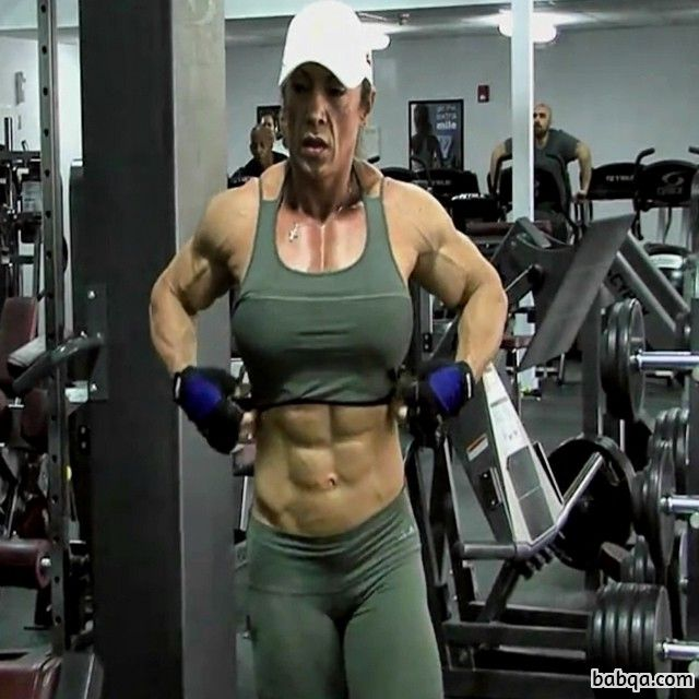 hottest chick with strong body and toned arms picture from linkedin