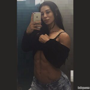 sexy babe with muscular body and muscle bottom repost from reddit