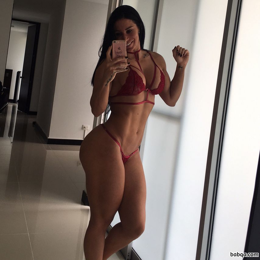 sexy female bodybuilder with strong body and muscle bottom pic from instagram