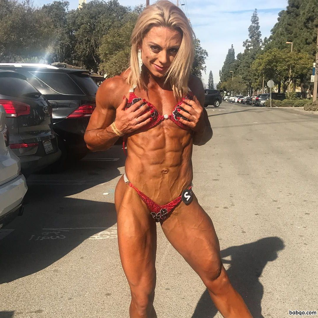 hottest chick with strong body and toned arms post from tumblr