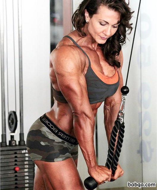 perfect babe with muscle body and muscle arms pic from reddit