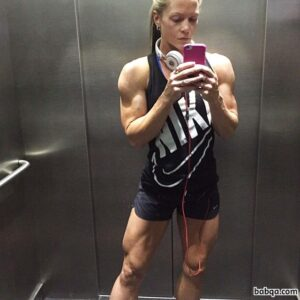 hot female bodybuilder with strong body and muscle legs pic from reddit