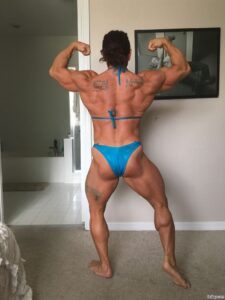 awesome girl with strong body and toned arms repost from g+