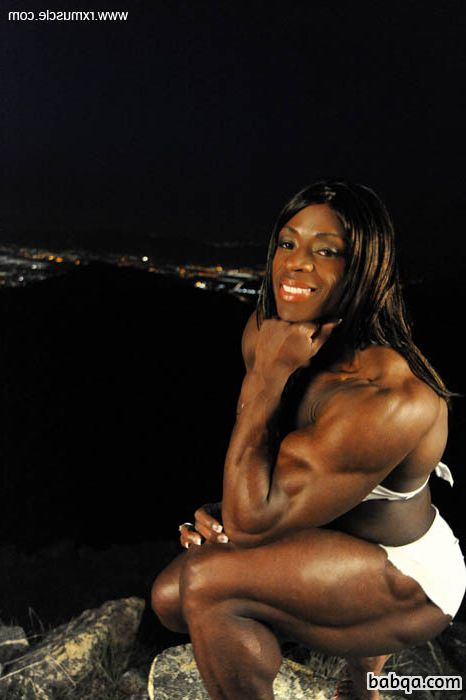 awesome female with muscular body and toned arms pic from reddit