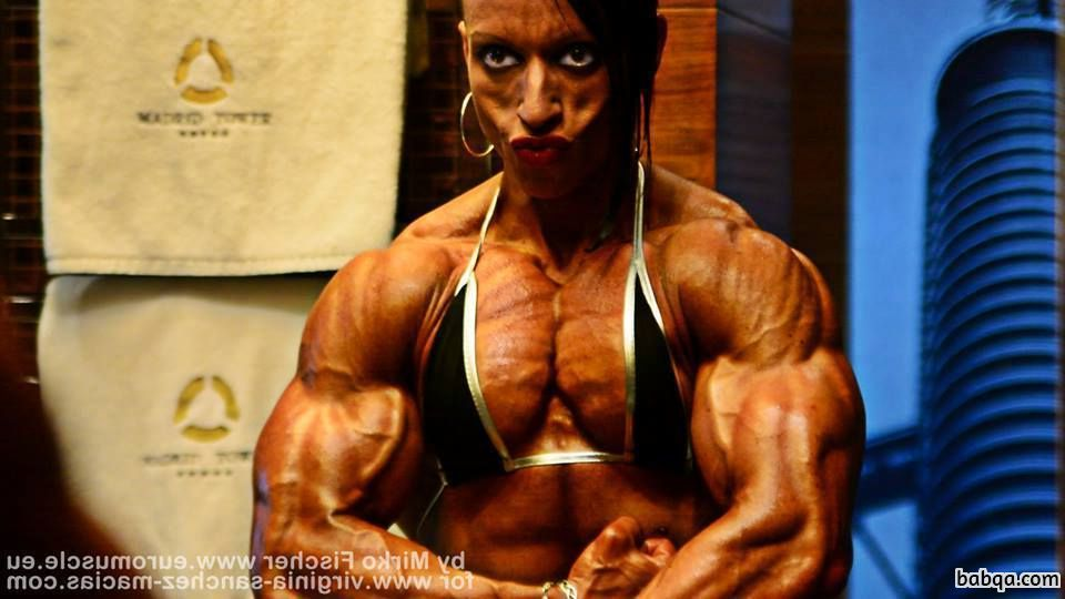 awesome female bodybuilder with strong body and toned biceps pic from tumblr