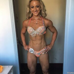 spicy lady with muscle body and muscle legs photo from facebook