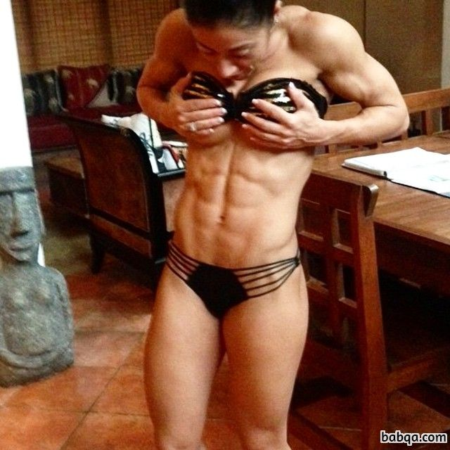 spicy female bodybuilder with fitness body and muscle legs pic from reddit