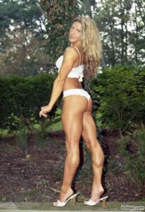 hottest female bodybuilder with strong body and muscle arms image from reddit