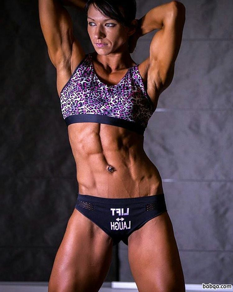 perfect lady with strong body and toned arms post from g+