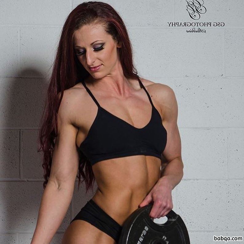 hot female bodybuilder with muscular body and muscle biceps post from g+