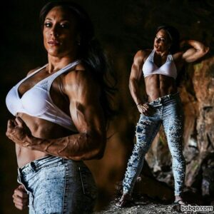 awesome chick with muscular body and muscle biceps post from g+