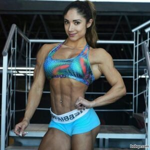 hot woman with strong body and toned arms picture from facebook