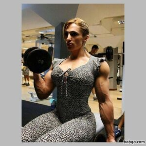 beautiful girl with strong body and muscle arms post from g+
