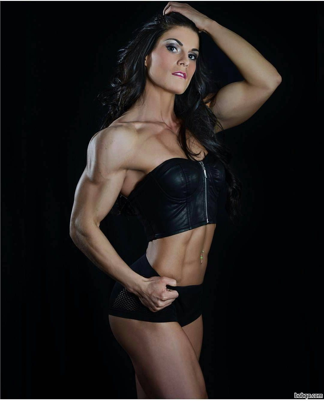 spicy woman with muscular body and muscle legs post from g+