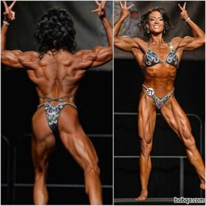 hottest woman with muscle body and toned arms image from reddit