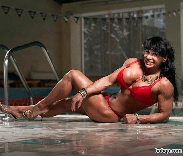 hottest woman with muscle body and toned biceps pic from reddit