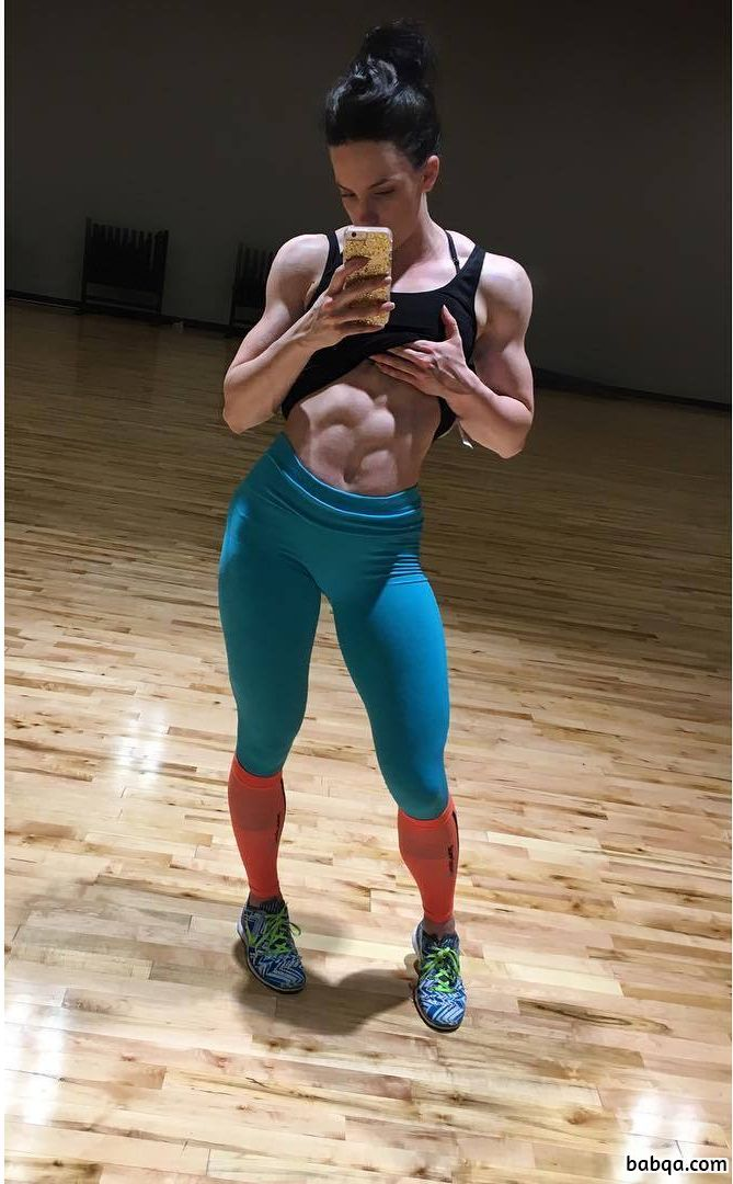 hottest girl with fitness body and toned biceps pic from reddit