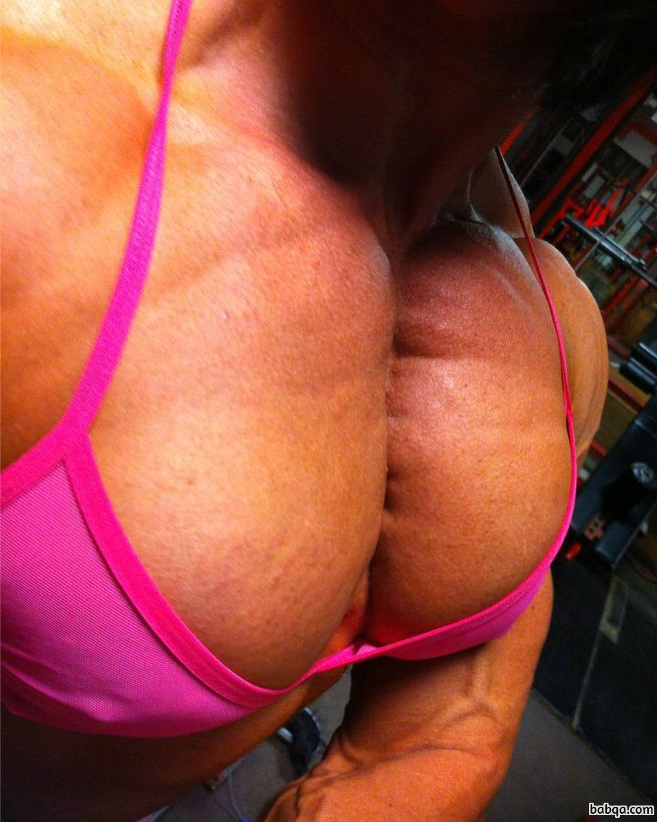 hottest girl with fitness body and toned biceps picture from g+