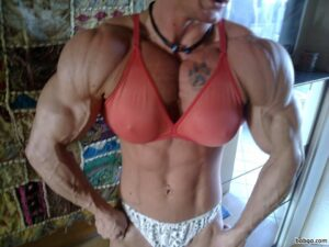 awesome female bodybuilder with muscular body and toned bottom image from insta