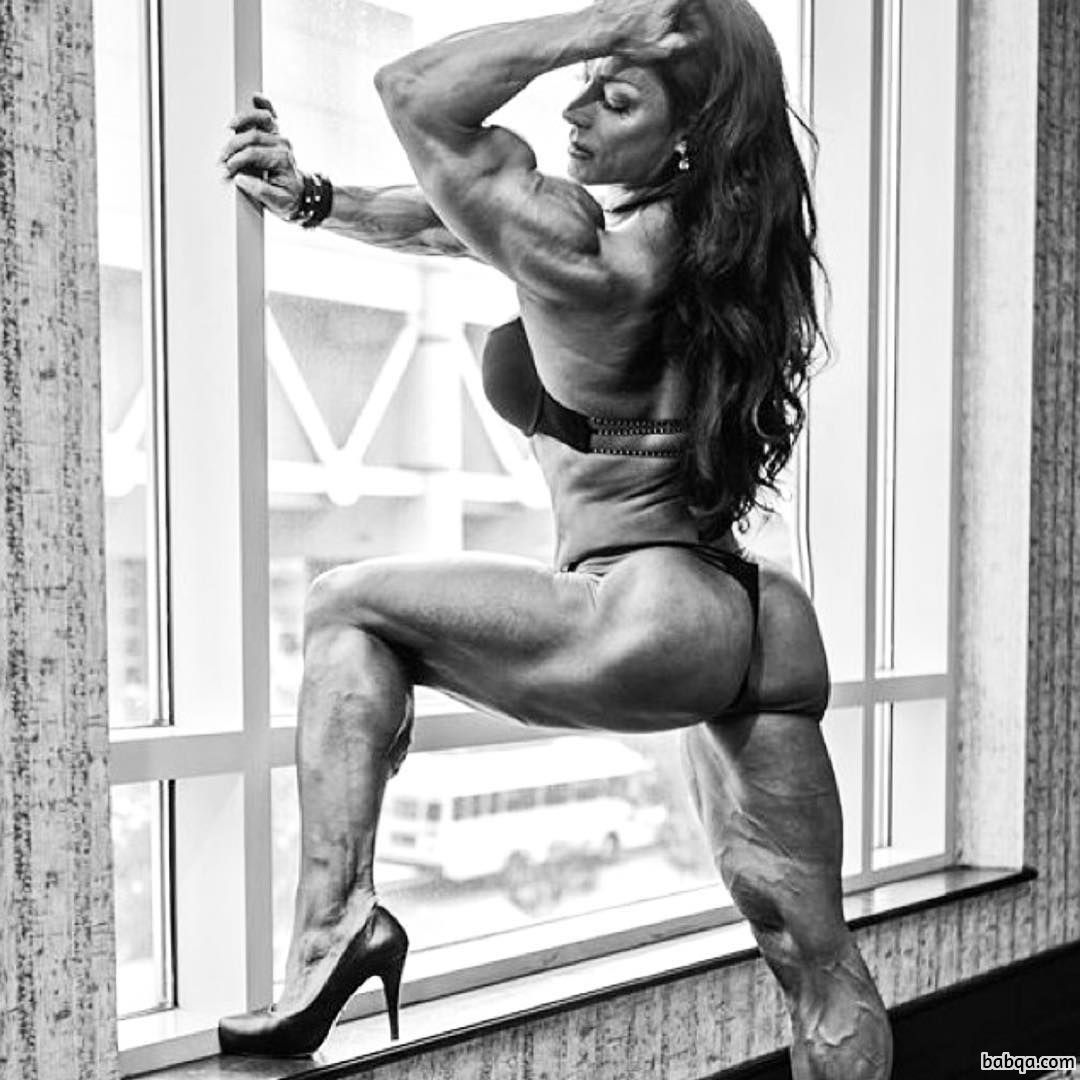 perfect lady with fitness body and toned arms pic from reddit