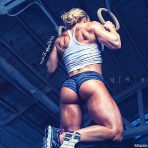 spicy babe with fitness body and toned arms post from g+