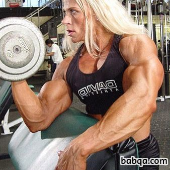 cute chick with muscle body and toned arms image from reddit