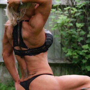 awesome lady with muscle body and muscle arms picture from g+