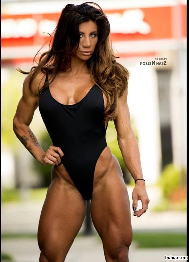 hottest female bodybuilder with strong body and toned arms photo from instagram