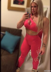 hottest female bodybuilder with strong body and toned legs image from tumblr