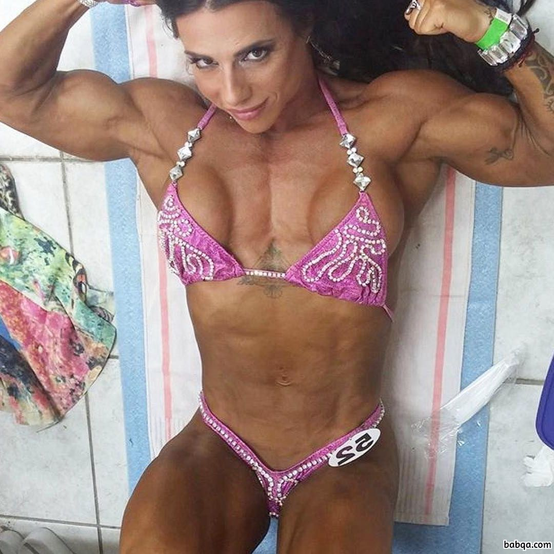 hottest babe with muscular body and muscle bottom picture from reddit