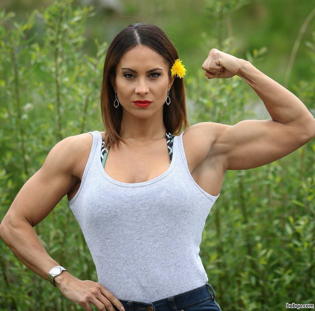 beautiful female bodybuilder with muscle body and toned legs image from g+