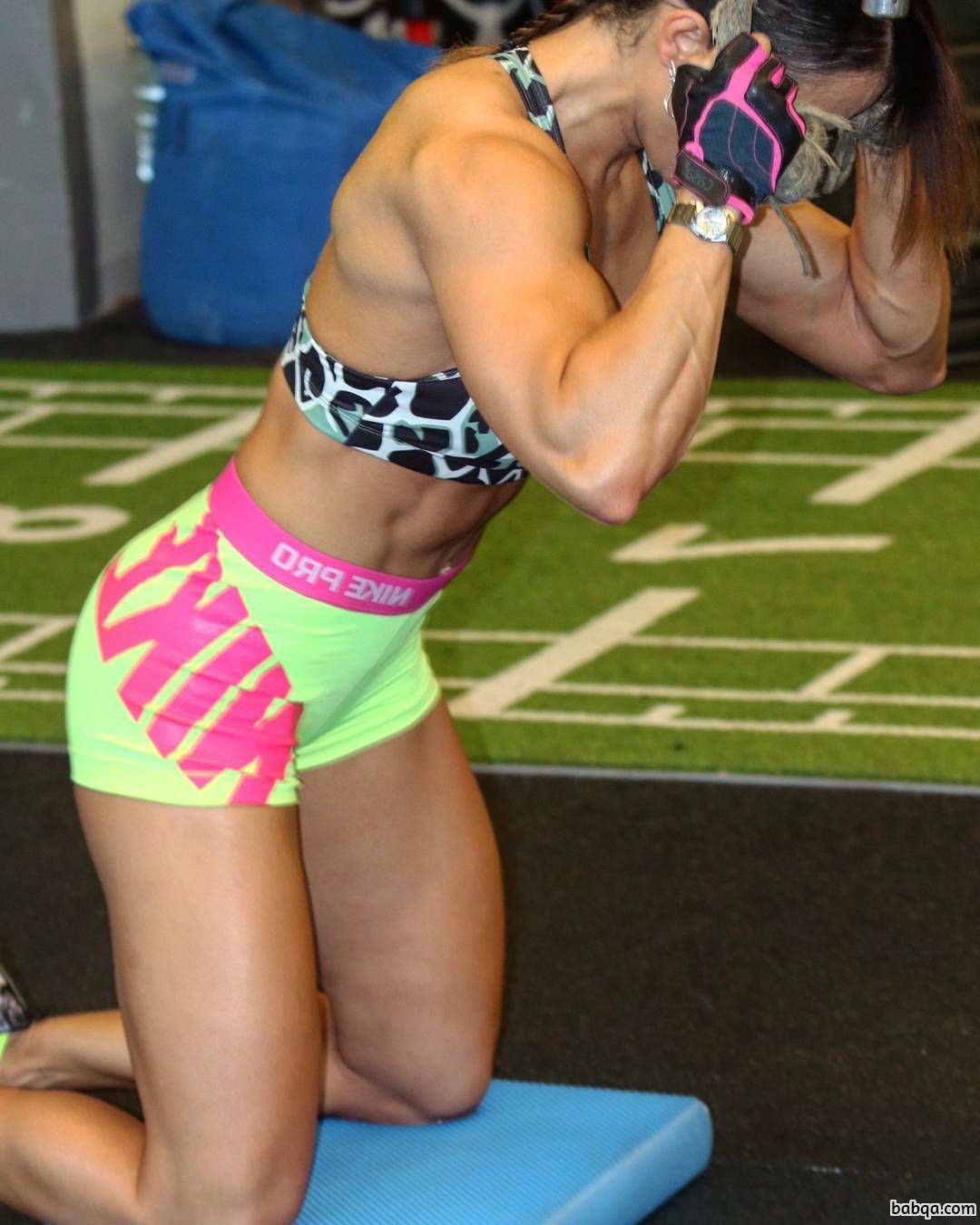hot girl with muscle body and toned legs post from g+